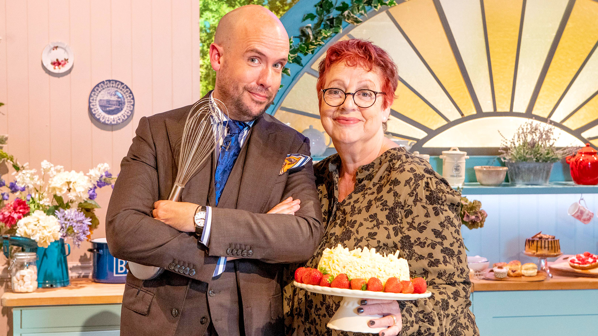 Who is on tonight's Bake Off An Extra Slice?