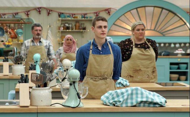 last night's bake off ratings